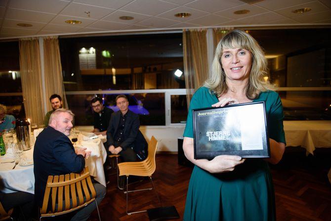Vinner lyd og levende bilder: Ansvarlig redaktør Karen Hesseberg tok imot journalistprisen til TV Haugaland på vegner av Eivind Jul Wibe Fiksdal.