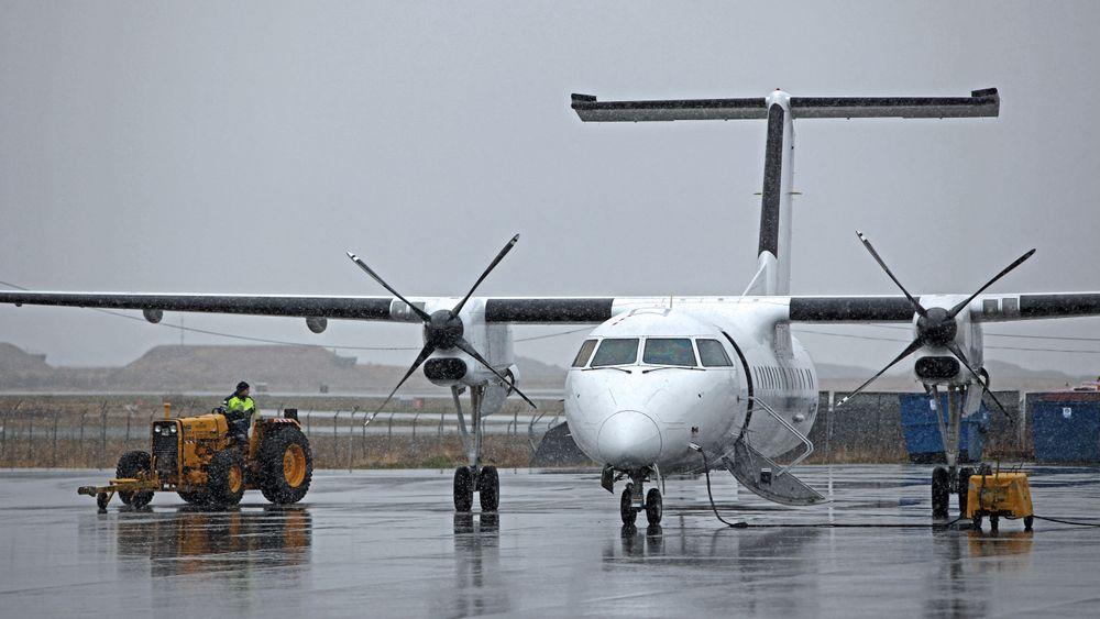 Widerøe Dash 8-100-fly på Bodø lufthavn
