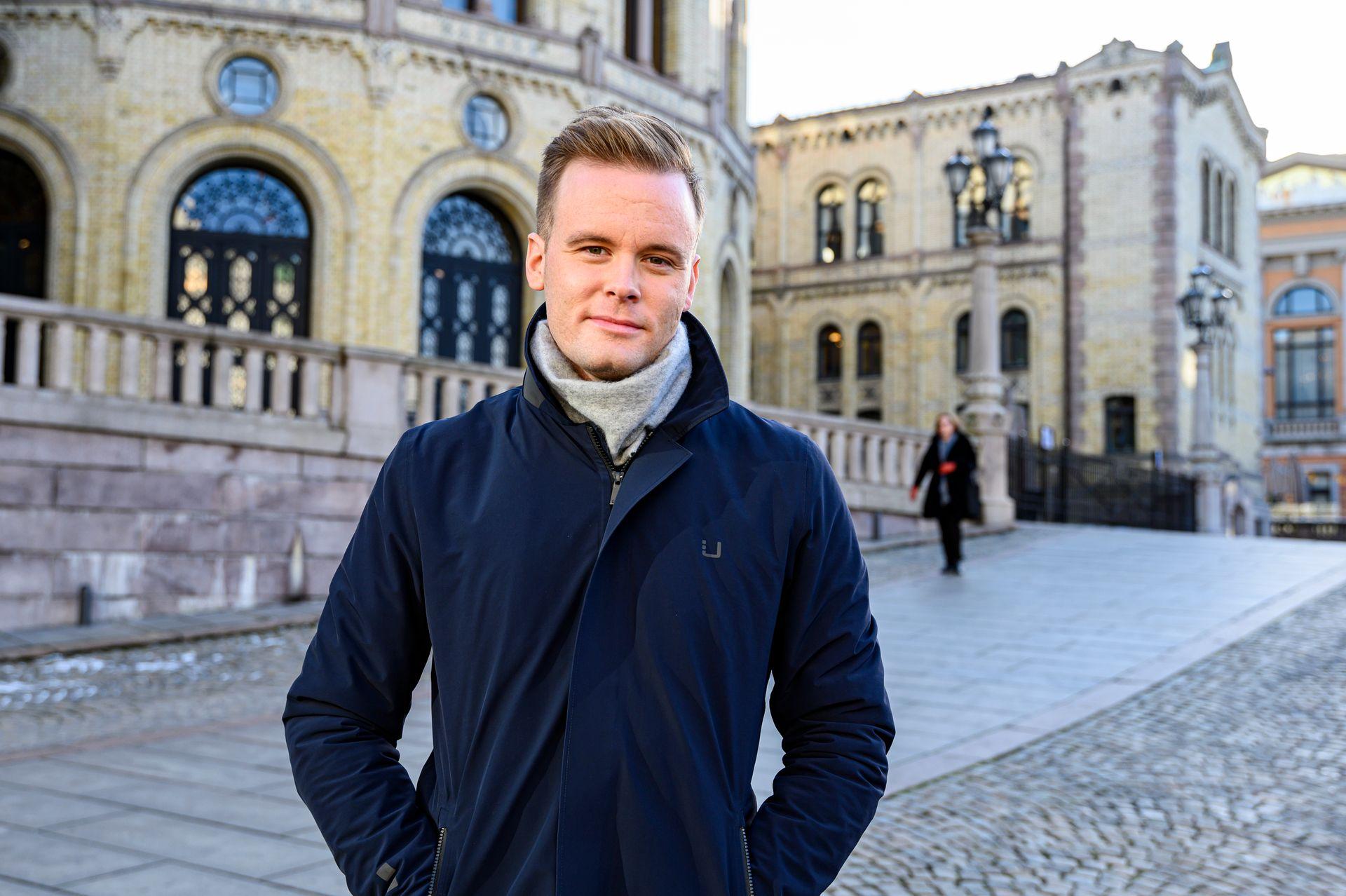 Nrk Cato Er Bekymret For Den Politiske Journalistikken I Norge Det Henger Noen Morke Skyer Over Den Medier24 No