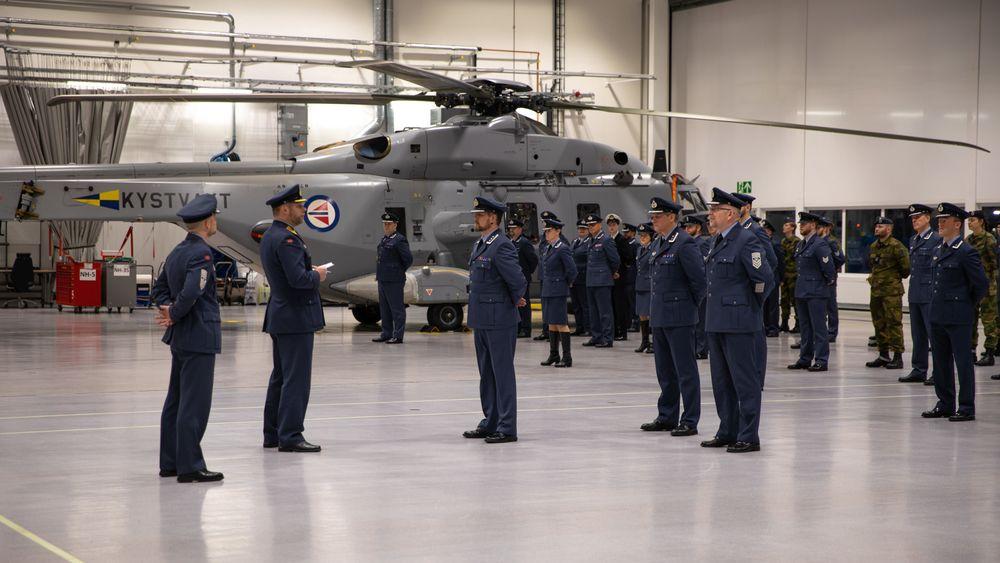 Oppstilling under den formelle åpningen av Maritim helikopterving på Bardufoss 29. januar.