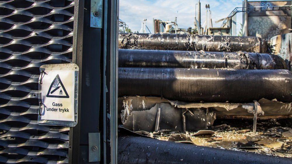 Direktoratet for samfunnssikkerhet og beredskap var på tilsyn ved hydrogenanlegget i Sandvika etter en kraftig eksplosjon i fjor sommer. Her fant de to avvik som ennå ikke er lukket.