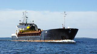 Ulønnsomme kystrederier: Mer lønnsomt å selge skipene og sette penger i banken