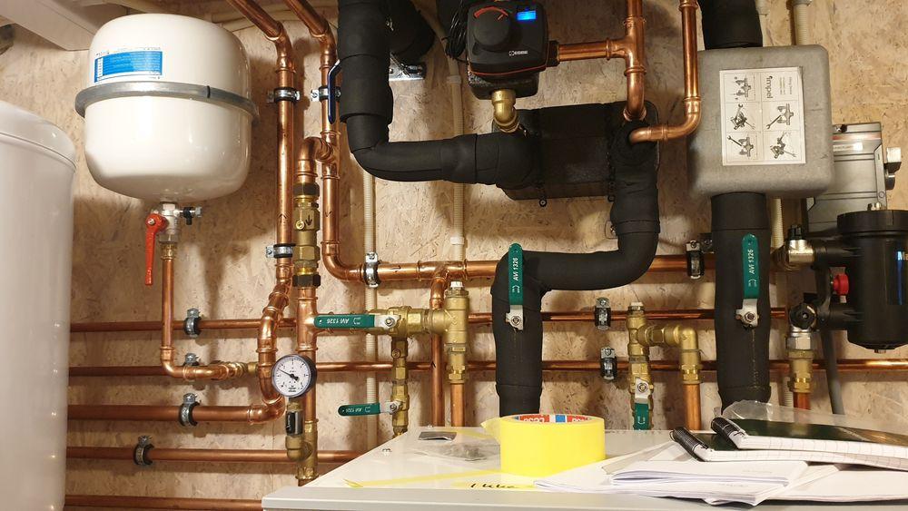 Det koster litt mer å legge opp til flere soner med vannbåren varme. Samtidig er det åpenbare fordeler med å kunne differensiere temperaturen i ulike deler av huset.