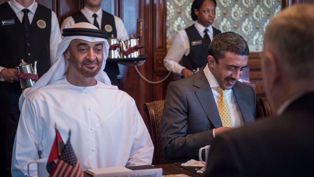 Kronprins Mohammed bin Zayed Al-Nahyan vil satse på kjernekraft i Emiratene. Bildet er fra et amerikansk statsbesøk.