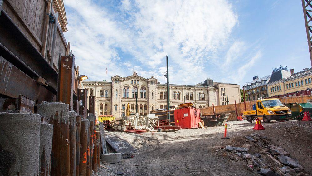 Bildet viser anleggsarbeid i forbindelse med oppgradering av Wessels plass i Oslo.