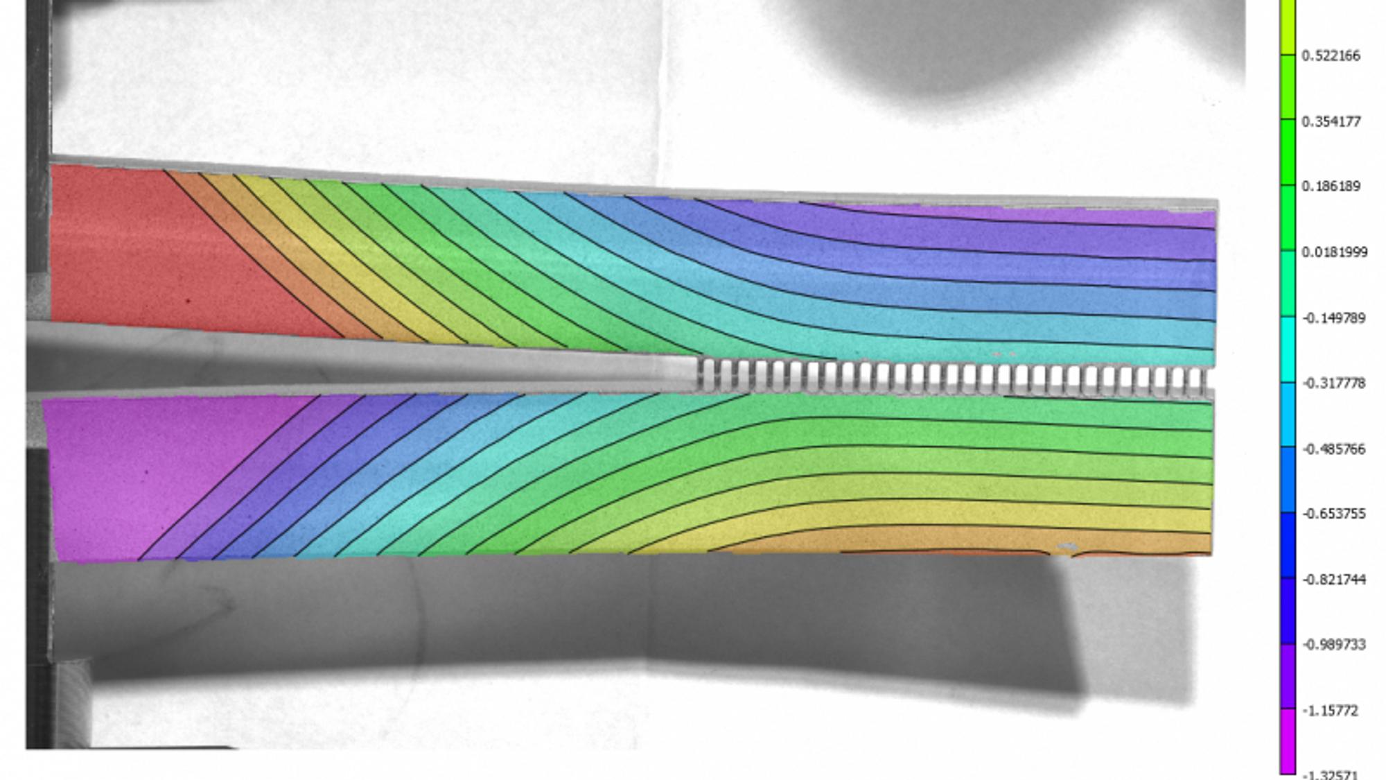Ved å skjære et geometrisk mønster ned i glass kan man endre materialets egenskaper betydelig, viser ny forskning.