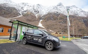 Seat Mii Electric lader med inntil 40 kilowatt.