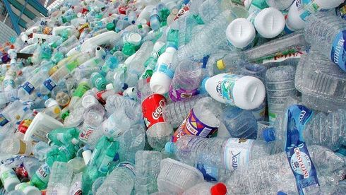 For første gang i Norge skal det produseres gjenbruksflasker av brukte plastflasker