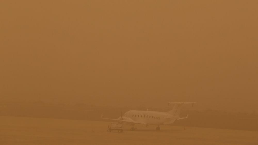 Et værfenomen kalt Calima er årsaken til at nesten 1600 flypassasjerer er strandet på Gran Canaria.
