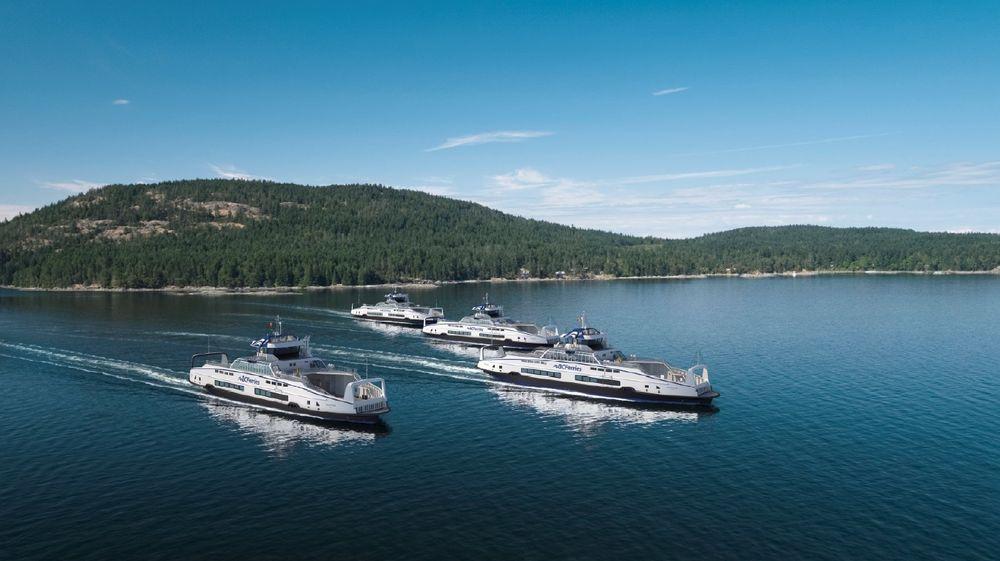 BC Ferries har bestilt fire nye ferger i Island-klassen. De blir hybride, men kan bli helelektriske når ladeinfrastrukturen er ferdig utbygget i Vancouver-området.