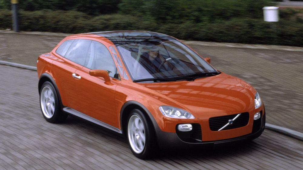 I 2001 presenterte Volvo en konseptbil med gjennomsiktige A-stolper.
