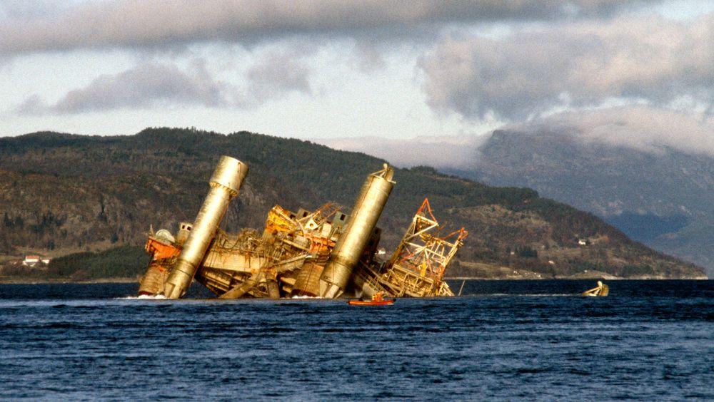 Plattformen Alexander L. Kielland kantret 27. mars 1980 på Ekofiskfeltet i Nordsjøen. 123 mennesker omkom. Kielland-nettverket ber nå Riksadvokaten om å sikre vitneforklaringene til folk som vet noe om ulykken.
