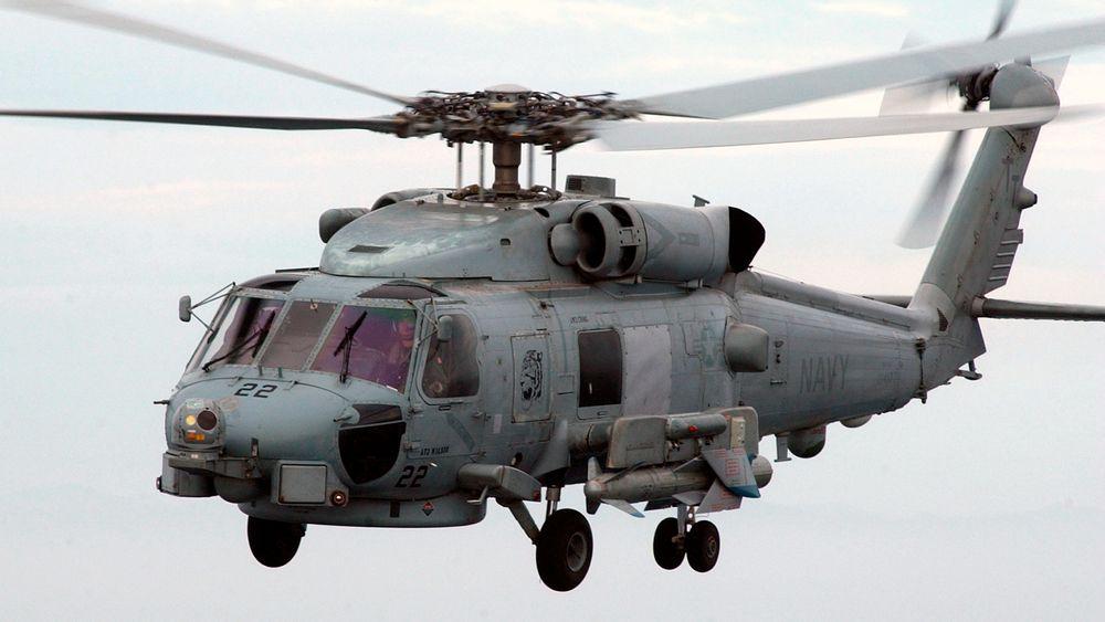 SH-60B Seahawk bevæpnet med AGM-119 Penguin-missil. Nå kan etterkommeren, NSM, bli integrert på nye MH-60R-helikoptre.