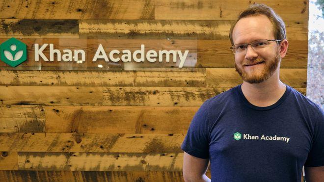 Åsmund (34) forbereder seg på et hektisk år hos Khan Academy