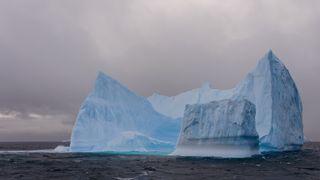 Droner skal kartlegge isfjell i Nordøstpassasjen