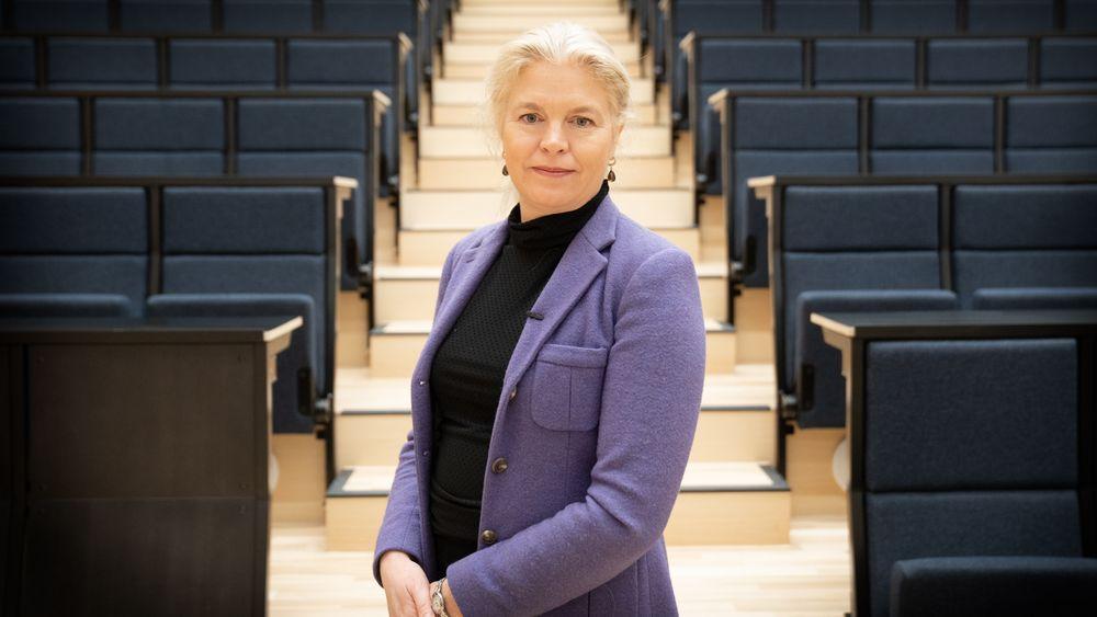 Cathrine Hambro er miljøorganisasjonenes advokat i klimasøksmålet. Hun har plenen for anken til Høyesterett klar.