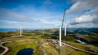Finsk kjemikalieselskap kjøper vindkraft fra Fosen: Betaler både for strøm og garantier
