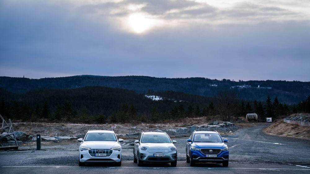 Audi E-Tron, Kia E-Niro og MG ZS er tre av et rekordhøyt antall elbilmodeller som nå er tilgjengelig. Det viktige spørsmålet er ikke om disse av og til lades med kullkraft i dag. Det sentrale poenget er hvor lite utslipp vi kan klare å ha fra bilparken om ti år, skriver TUs redaktør Ole Petter Pedersen i denne kommentaren.