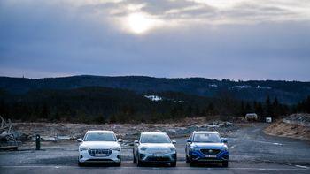 Dyrt, billigere, billigst: Audi E-Tron, Kia E-Niro og MG ZS.