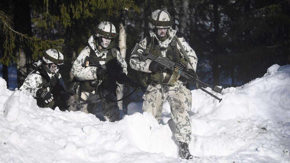 Finske soldater under en militærøvelse i Nord-Sverige i mars 2019.