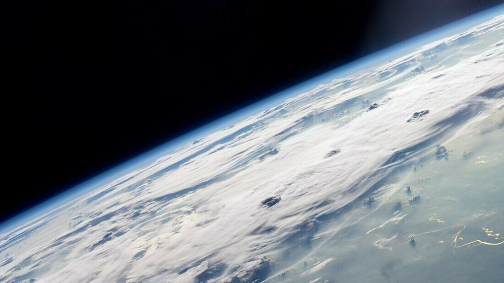 Skyer over Amazonas, fotografert fra Den internasjonale romstasjonen.