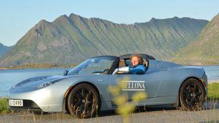 Frederic Hauge var først med Tesla i Norge. Bellona-roadsteren har byggenummer ti.