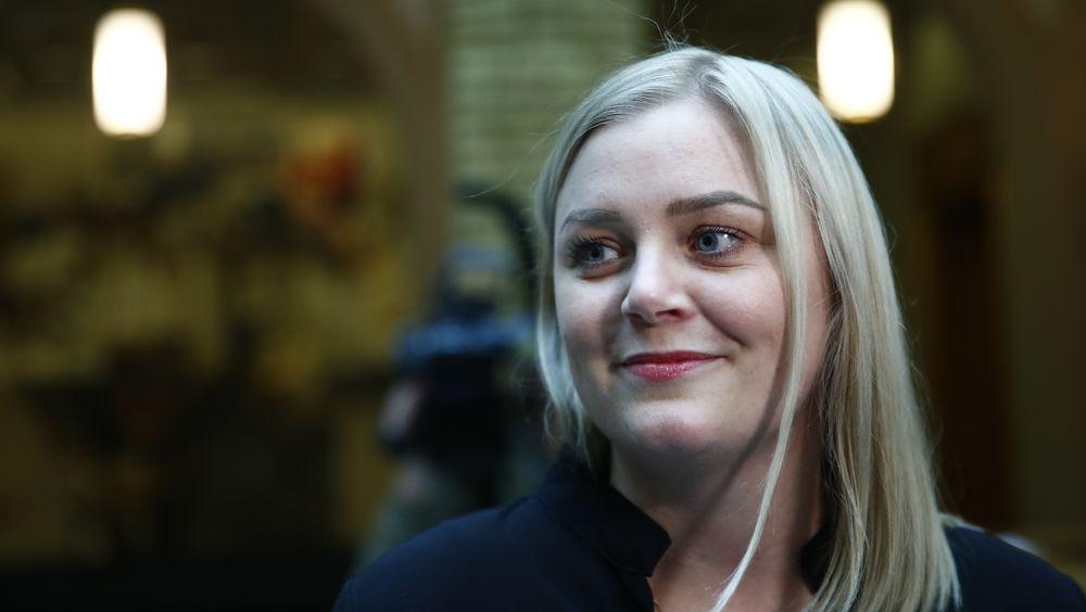 Olje- og energiminister Tina Bru (H) vil legge fram en stortingsmelding om vindkraft.