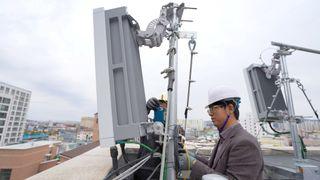 Ericsson, montasje av 5G basestasjon i Sør-Korea