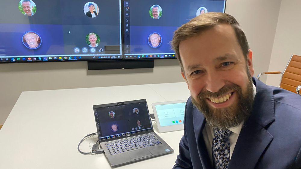 IT-direktør Jørgen Gulnes i DNV GL har lang erfaring med å legge til rette for fjernarbeid.
