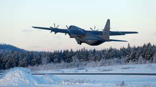C-130J Hercules-fly var nær ved å gå i bakken under øvelse