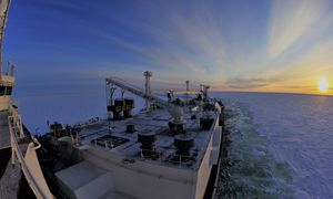 Isgående fraktskip bidrar til bærekraftig shipping gjennom Arktis