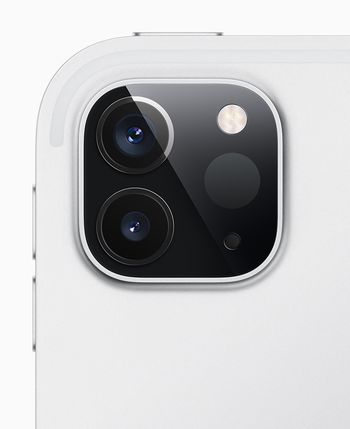 Det er nå to kameraer, i tillegg til en ny lidar-sensor.
