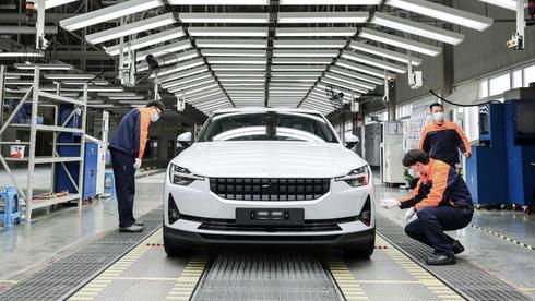 Kina dominerer elbilmarkedet. Bildet viser den kinesiskproduserte Polestar 2.