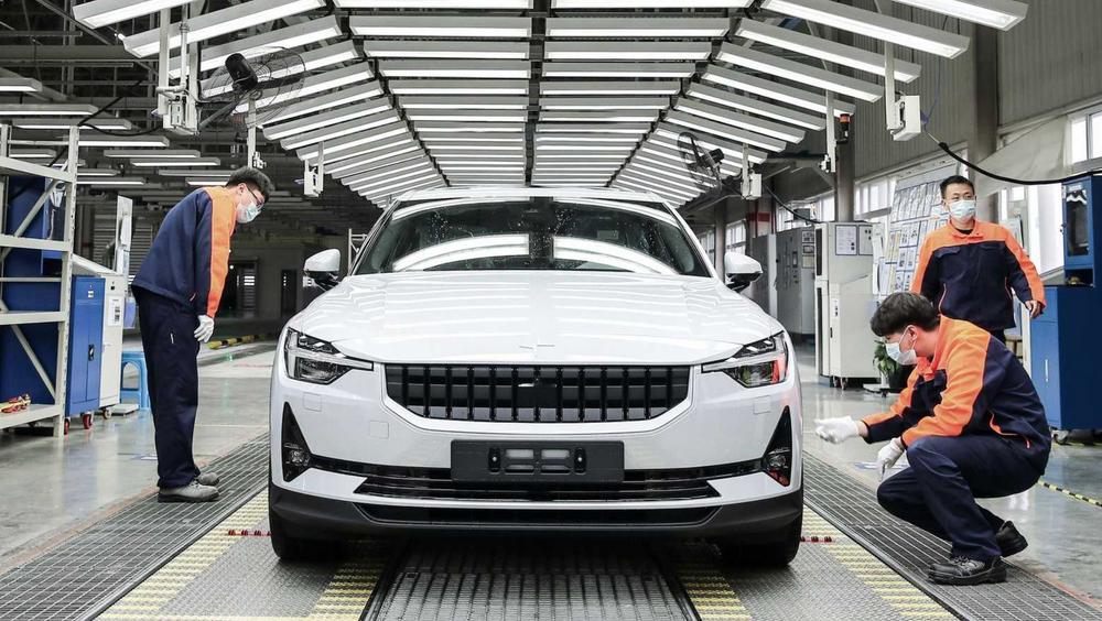 Nå er produksjonen av Polestar 2 i gang i Kina.