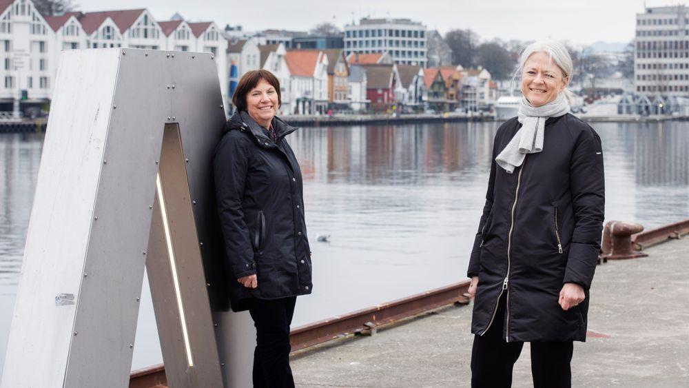 Konserndirektør Grethe Høiland i Lyse og havnedirektør Merete Eik.