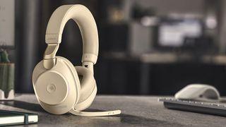 Toppmodellen: Jabra Evolve2 85 tilfører hodetelefoner noe helt nytt. Ogås et nytt prisleie.