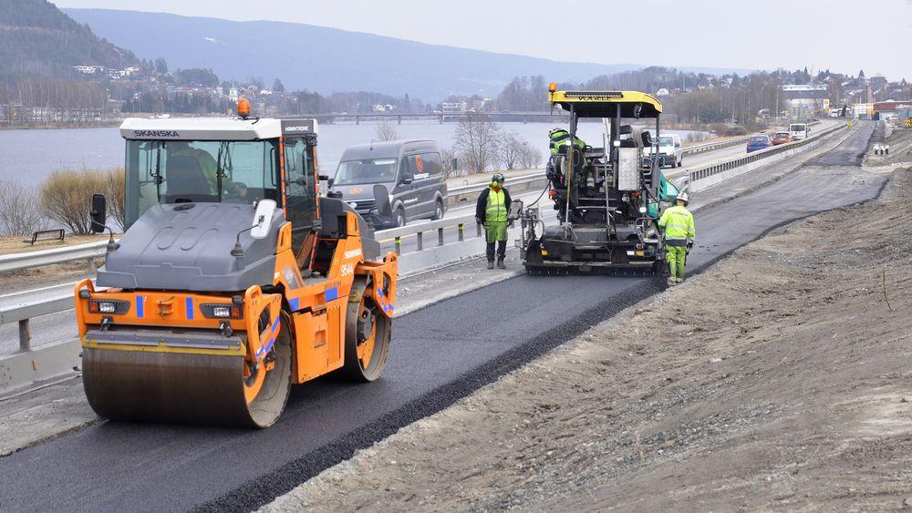 E134 mellom Mjøndalen og Langerud blir ferdig fem måneder før planen.