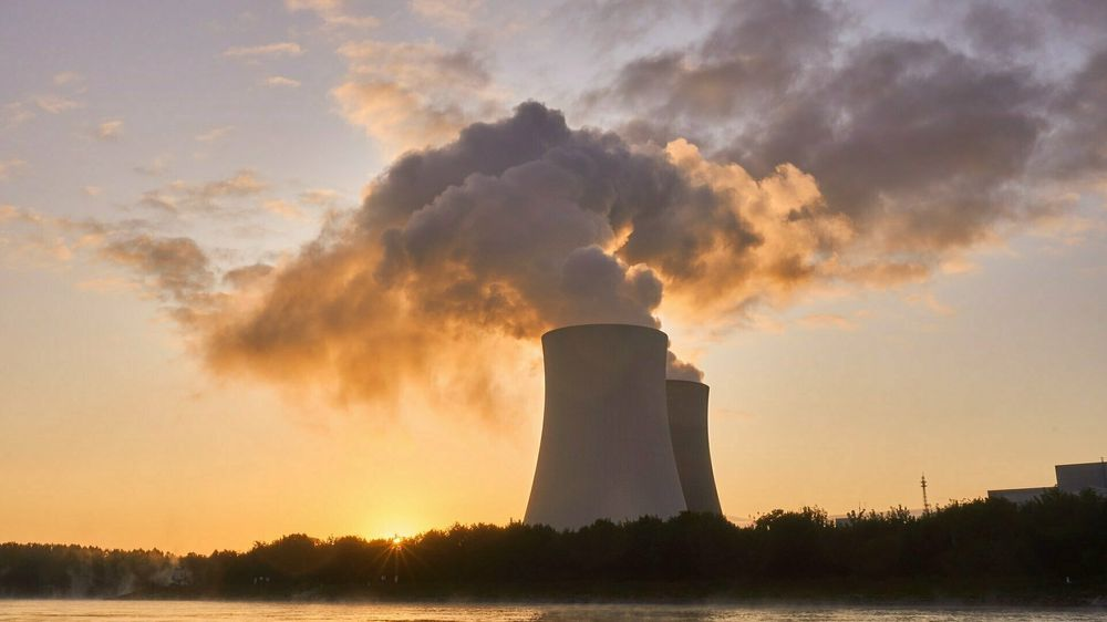 Mens få tviler på fornybar energi sin fortreffelighet når det gjelder trygghet og utslipp, så er det mange som har feilaktige oppfatninger om kjernekraft, skriver innsender