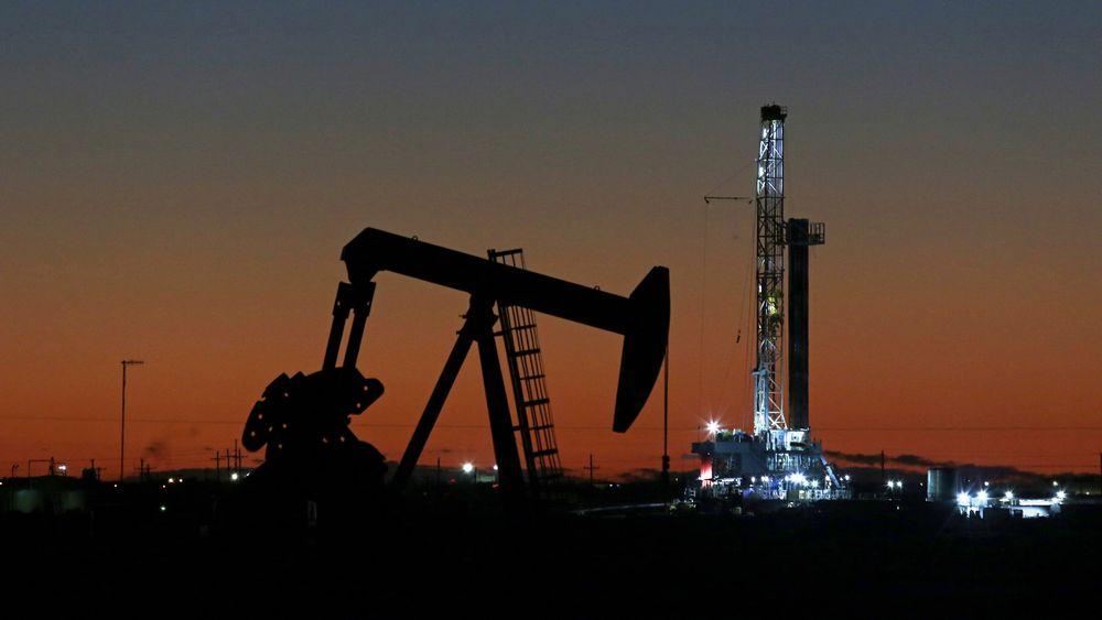 USA og landene i G20 støtter avtalen om store kutt i oljeproduksjonen som ble inngått mellom Opec, Russland og andre oljeproduserende land tidligere fredag.