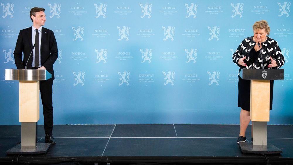 Forsknings- og høyere utdanningsminister Henrik Asheim (H) og statsminister Erna Solberg (H) under pressekonferansen om kompetansereformen «Lære hele livet» onsdag.
