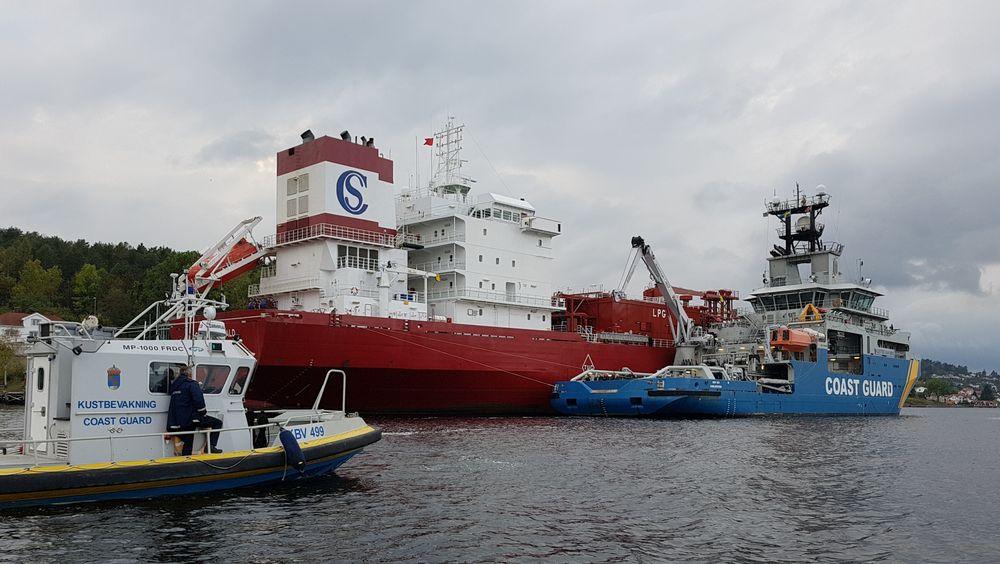 Rederiet Solvang jobber hardt med å få ned sine utslipp. Her er LPG-skipet Clipper Harald med på SCOPE  2017 -  en oljevern- og kriseøvelse.