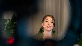 Bastholm vil ha slutt på fossil krisehjelp