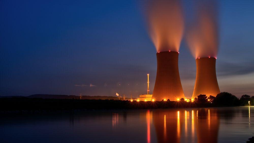 Det er et paradoks at for hvert kjernekraftverk som stenges ned, må store areal tas i bruk for å erstatte den tapte energien med fornybart, mener kronikkforfatteren