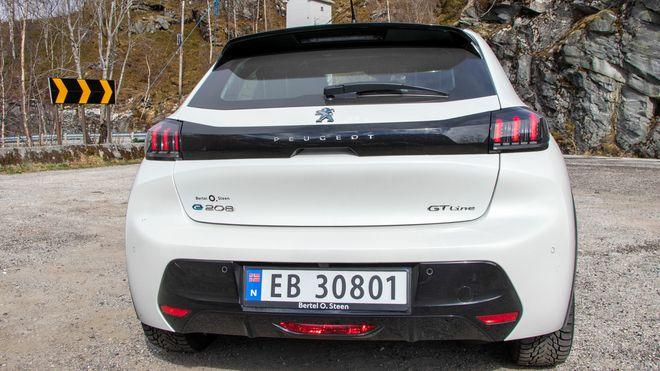 Peugeot e-208.