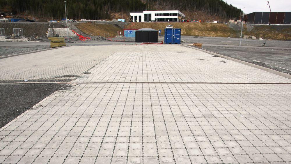 På Sveberg utenfor Trondheim er det etablert seks ulike testfelt for permeable dekker.