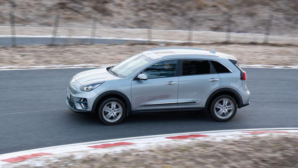 Kia E-Niro er blant elbilene som kommer godt ut i rekkeviddetester. Forskning indikerer at faststoffbatterier kan øke rekkevidden ytterligere.