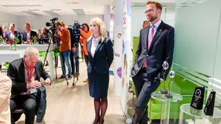 Digitaliseringsminister Nikolai Astrup (H) og direktør Jenny K. Lindqvist i Ericsson under en pressekonferanse om 5G-teknologi i Telias lokaler i Nydalen i Oslo i oktober 2019