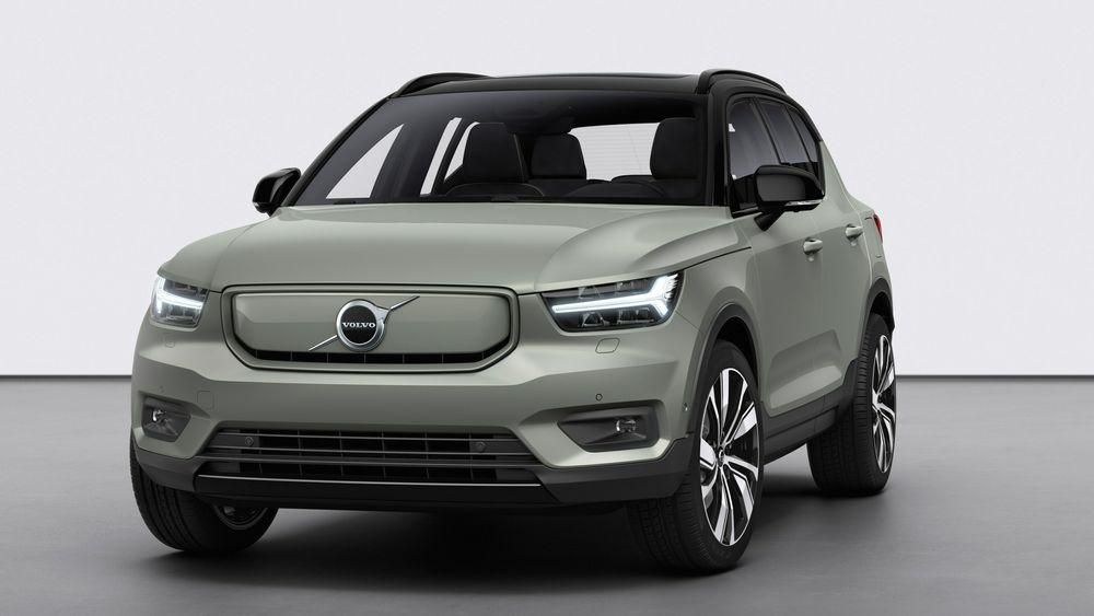 Volvo XC40 Recharge ble avduket i Los Angeles. Volvo Cars elbilstrategi består av tre deler: «milde» hybrider, ladbare hybrider og elbiler. I 2025 skal annenhver Volvo som selges, være en elbil.