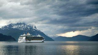 Et nullutslippskrav i verdensarvfjordene i 2026 vil mest sannsynligvis føre til at de mest forurensende skipene reiser til andre fjorder eller land, og dermed ikke gi noen betydelige utslippsreduksjoner, skriver innsender