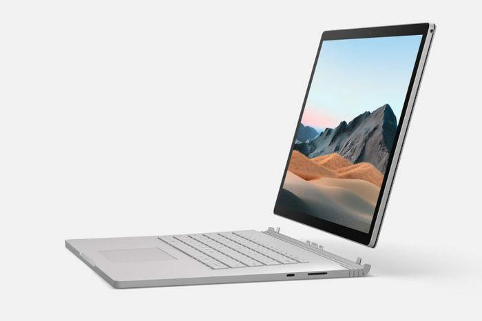 Skjermen på Surface Book 3 kan tas av og snus, eller man kan bruke skjermen som et nettbrett (prosessoren sitter i skjermen).